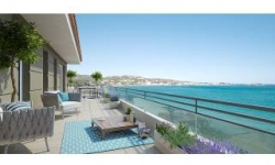 Blue patio<br />Le Lavandou (83)